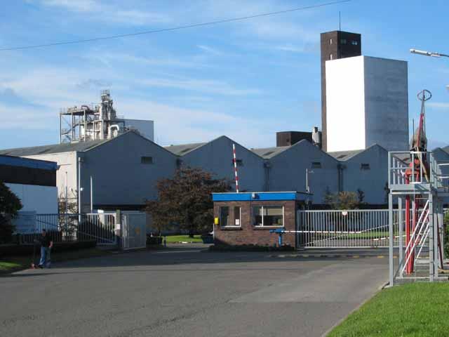 Girvan Grain Distillery - hier stand einmal Ladyburn. Foto von Oliver Dixon, CC-Lizenz