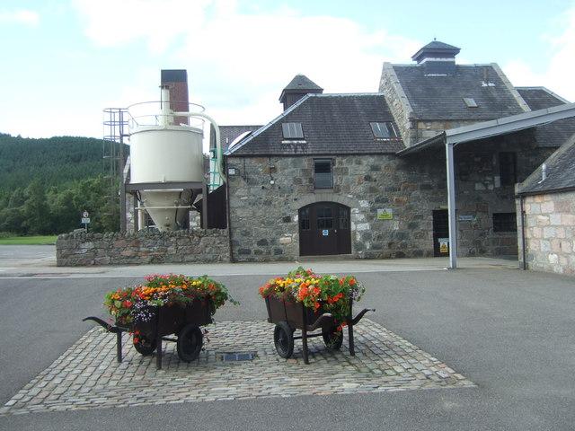 Royal Lochnagar Destillerie, Foto von Stanley Howe, CC-Lizenz