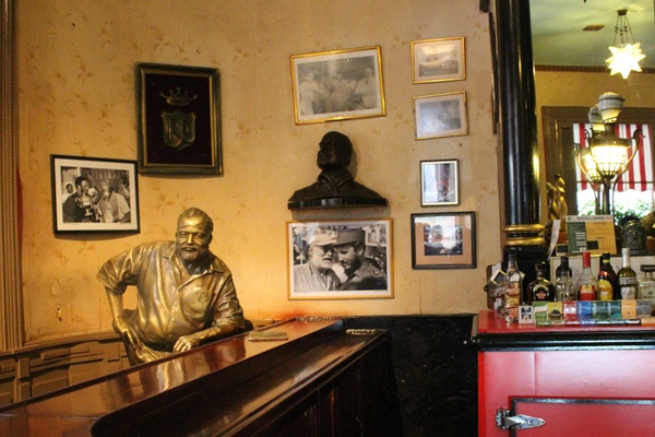 Mais que buvait -vraiment - Ernest Hemingway ?