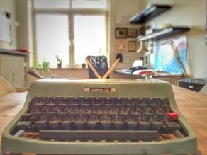 Olivetti, set fra front