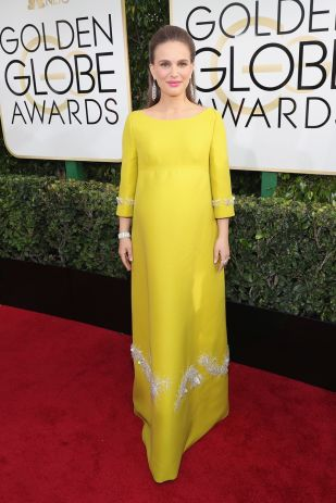 atalie Portman arrived in a Prada gown and Tiffany & Co jewellery at Golden Globes 2017