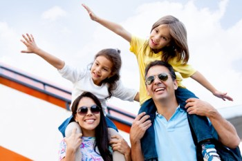 Money Saving Tips for Family Holidays: Don't Sacrifice Your Vacation by Using These Tips! #tips