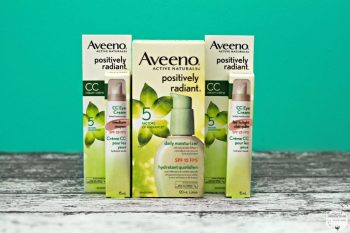 Transition Summer Skin to Fall with Aveeno Positively Radiant CC Eye Cream & Daily Moisturizer. #EyeAmRadiant