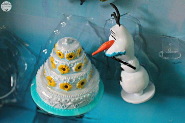 Disney-Frozen-Doll-Gift-Set-08