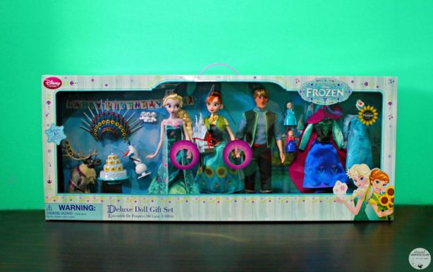 Disney-Frozen-Doll-Gift-Set-10