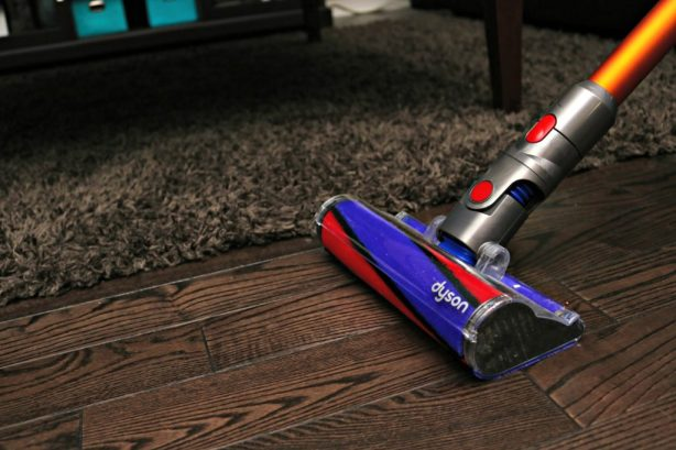 Break Free from the Cord & Clean Effortlessly w/ the Dyson V8 Absolute! #CleanEverywhere