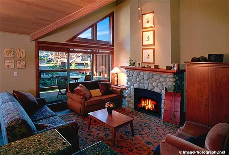 Whistler montebello vacation rentals whistler accommodations for Cabine in whistler