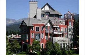 Alpenglow Studio in Whistler with kitchen :: Condo 302 Pictures