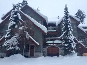 Pictures of Creekside Triplex  - Walk to Gondola - Private Hot Tub