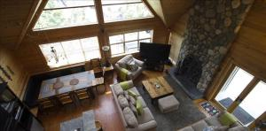 Pictures of Pinnacle Ridge 6 bedroom :: Ski in/out, private hot tub
