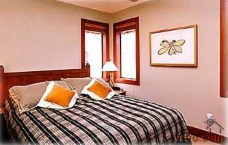 Whistler Luxury Rental by Owner at Montebello - Hottub, view, deck Photo 2
