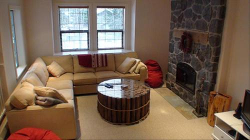 Whistler Whistler 4 Bedroom + Loft Luxury Townhome in Whistler Creek Photo 2