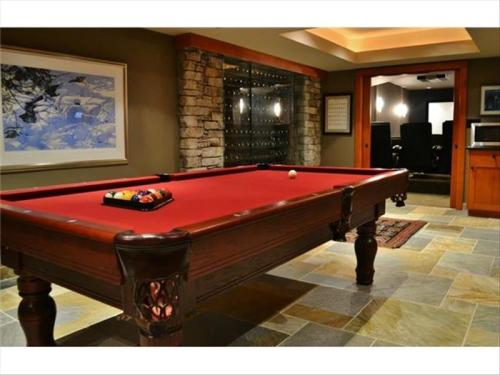 Whistler 5000 Sq Foot Luxury Chalet :: 4 Levels, Big Views, Hot Tub Photo 3