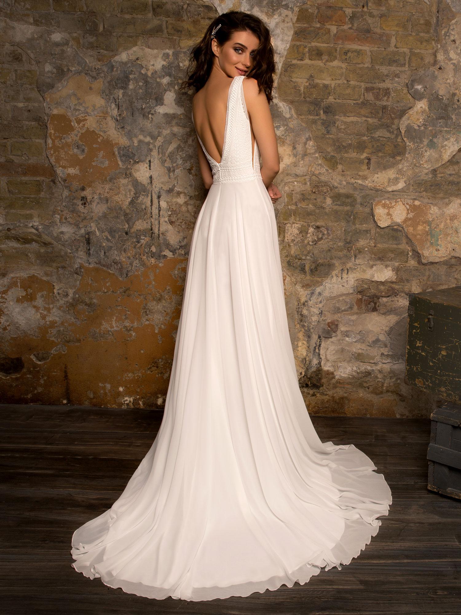 Robe de mariée fluide Reims chez White Boutik