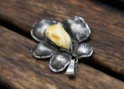 Silver Amber Flower Pendant Necklace 4