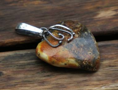 Amber Heart Pendant 1