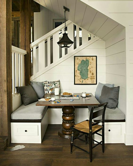 Cottage Style, Cottage, lake cottage, breakfast nook, shiplap, bench seating