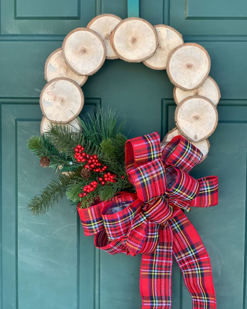 Christmas Wreath Wood Chips and Bow