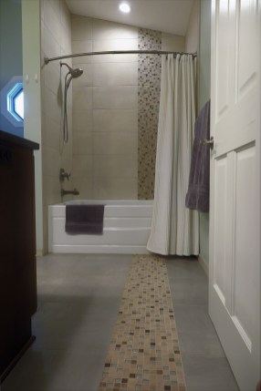 Gallant Court Apple Valley MN Bathroom Remodel (3)