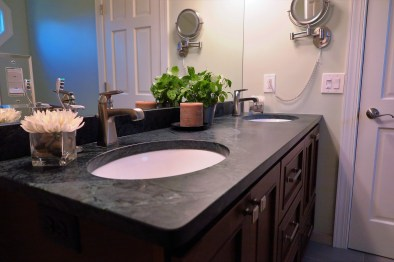 Gallant Court Apple Valley MN Bathroom Remodel (9)