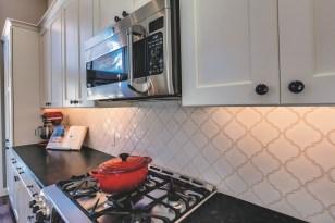 Gallant Court Kitchen Apple Valley (6)