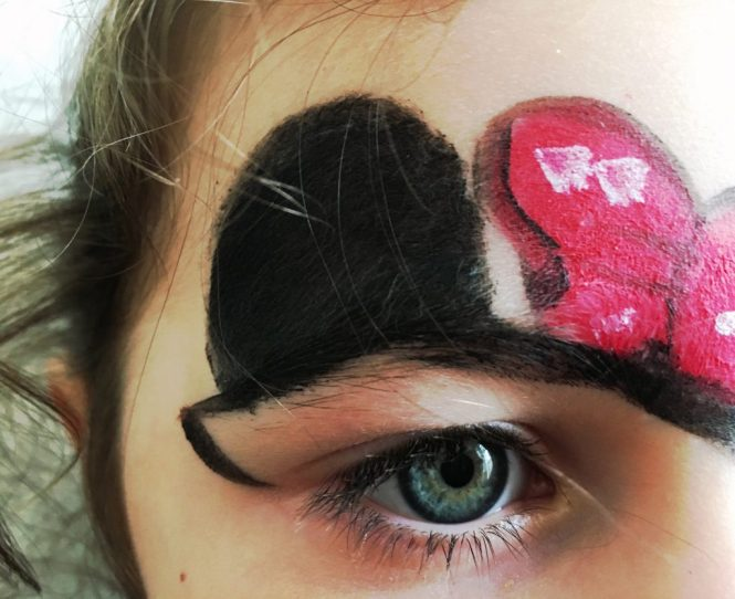 Minnie mouse face paint - birthday party