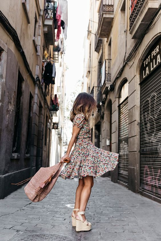 How to wear Floral Dresses for Spring