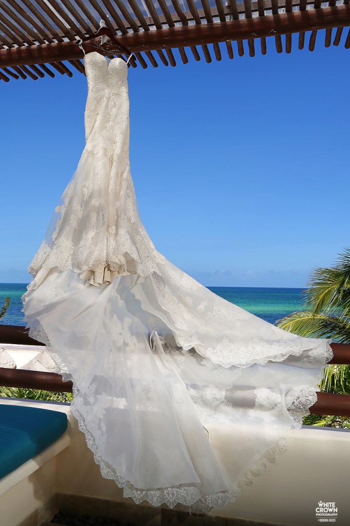 Destination Wedding, Riviera Maya, Debora Ducci, White Crown Photography, AliExpress, Secrets Maroma Beach Riviera Cancun, Secrets hotel, Victoria Josh East, wedding,