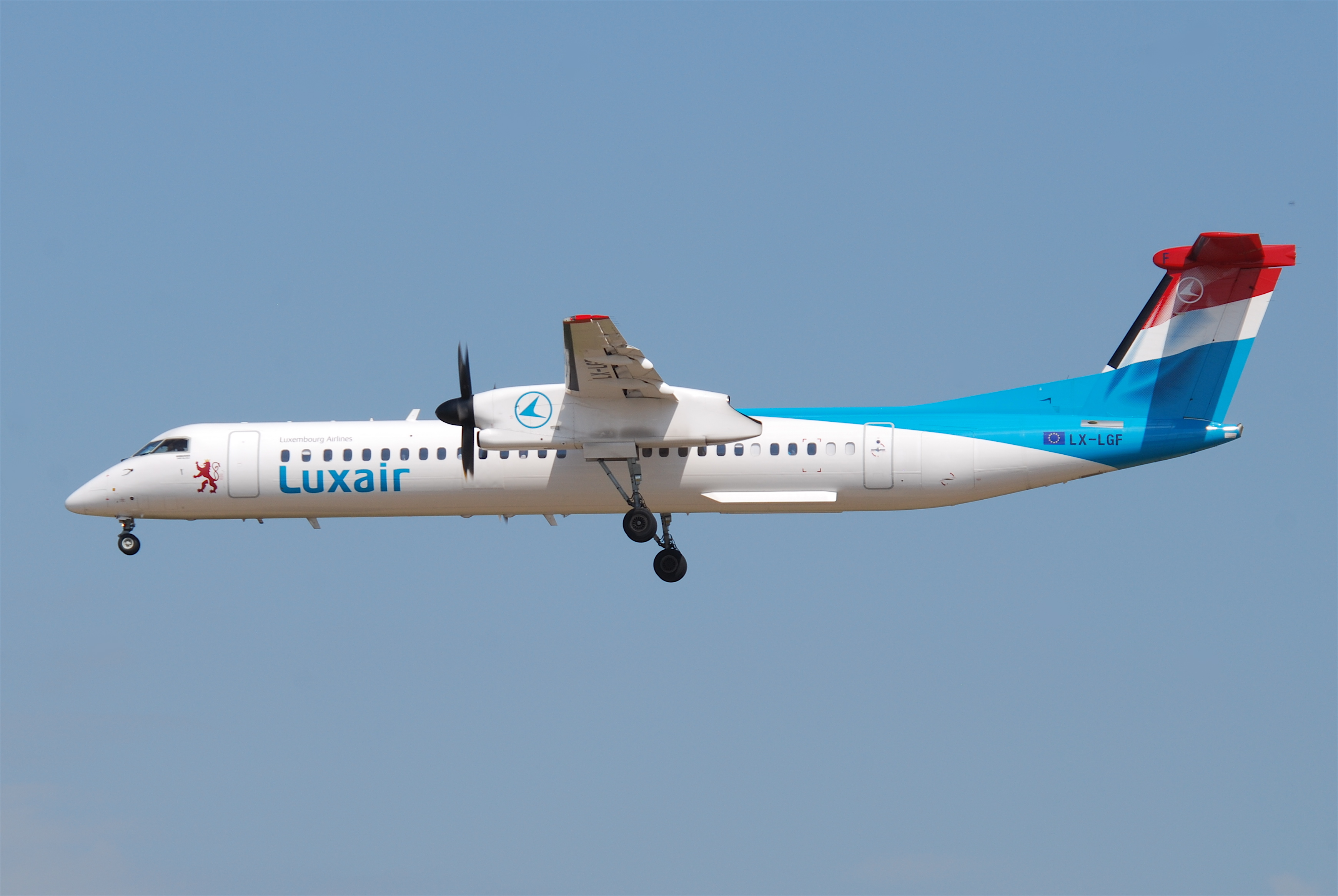A Q400 turboprop aircraft, for which an MPA conversion is proposed. Image: Aero Icarus from Zürich, Switzerland