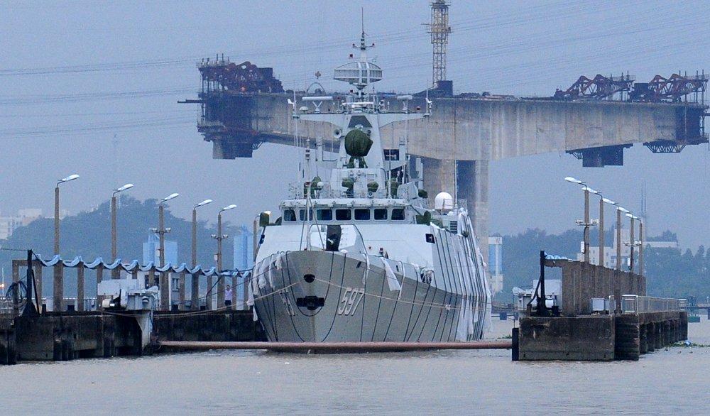 Type_056_corvette_597_QinZhou_in_Huangpu_Shipyard