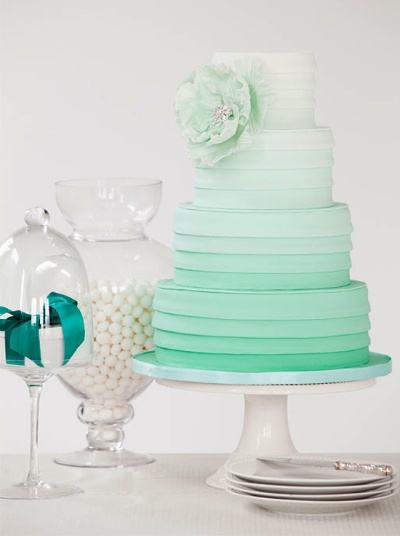 Color trend 2013 ombre cake-1