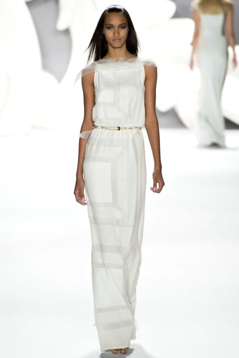 Skinny belt, white dress Carolina Herrera 2013-1