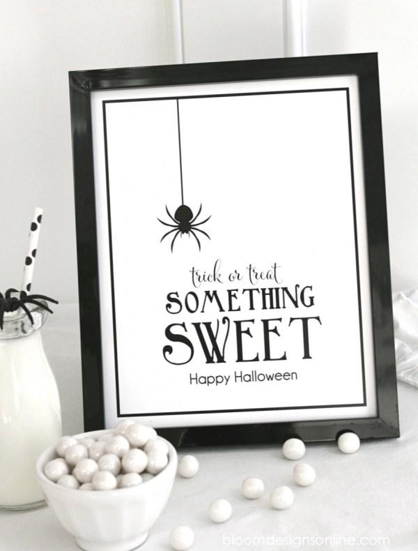 Halloween - trick treat - black white