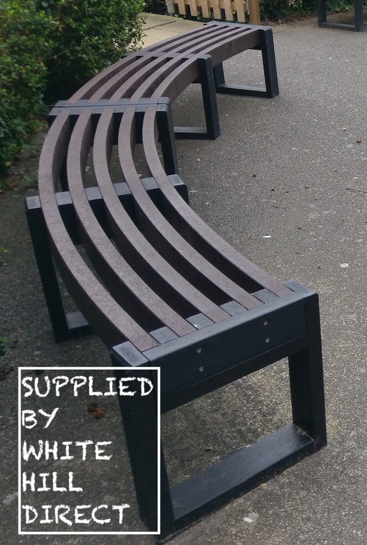 Eco Friendly Recycled Plastic Curved Bench Outdoor Seating