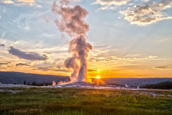 old faithful, yellowstone, national park, geyser
