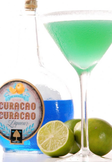 Curacao Cocktail Recipe With Rum Island Taxi White On Rice Couple
