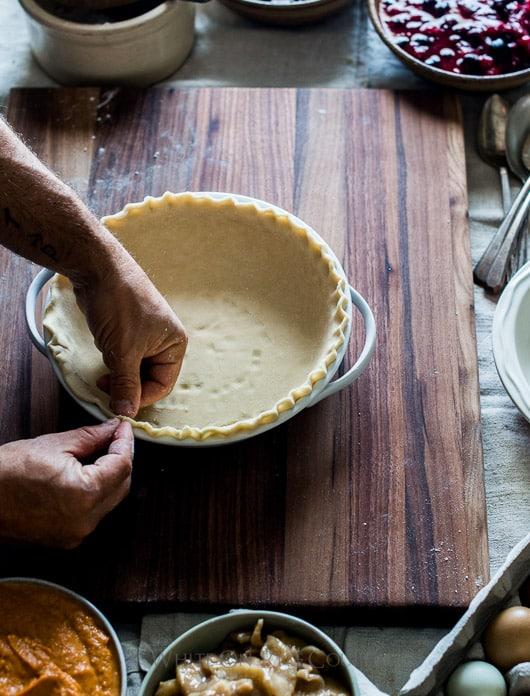 Tutorial on How to Make Leaf Pie Designs. Leaf Pie Dough for Holiday Pie Designs Thanksgiving Pie Design | @whiteonrice