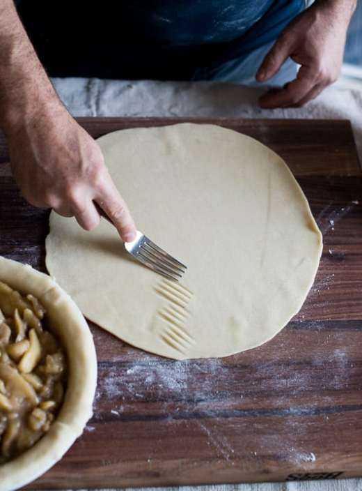 Tutorial on How to make leaf pie crust designs. Leaf Pie Dough | @whiteonrice