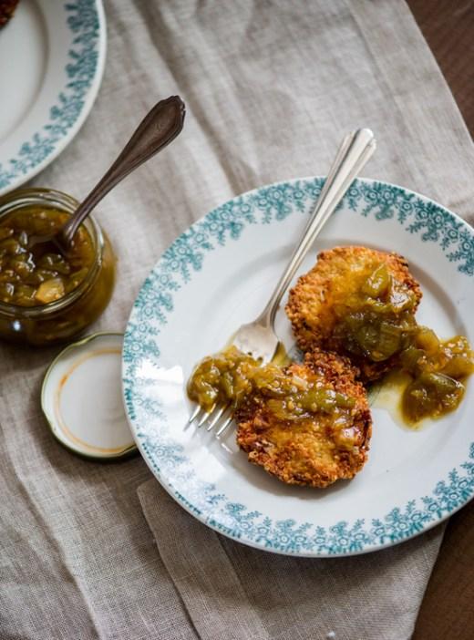 Crispy Quinoa Fritters with Green Tomato Chutney on WhiteOnRiceCouple.com