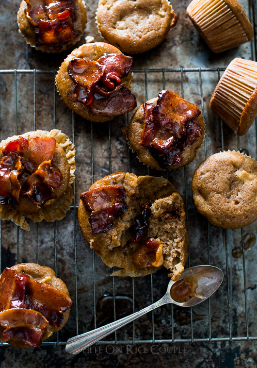 Killer Maple Bacon Apple Muffins Recipe on @whiteonrice