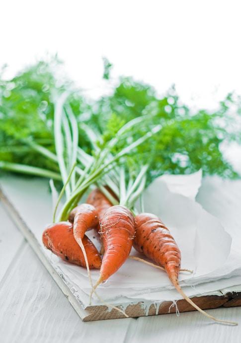 Vietnamese pickled carrots recipe with daikon radish for Vietnamese banh mi | @whiteonrice