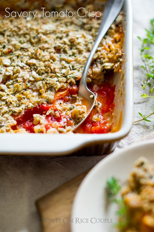 Savory tomato crisp recipe with fresh heirloom tomatoes @whiteonrice