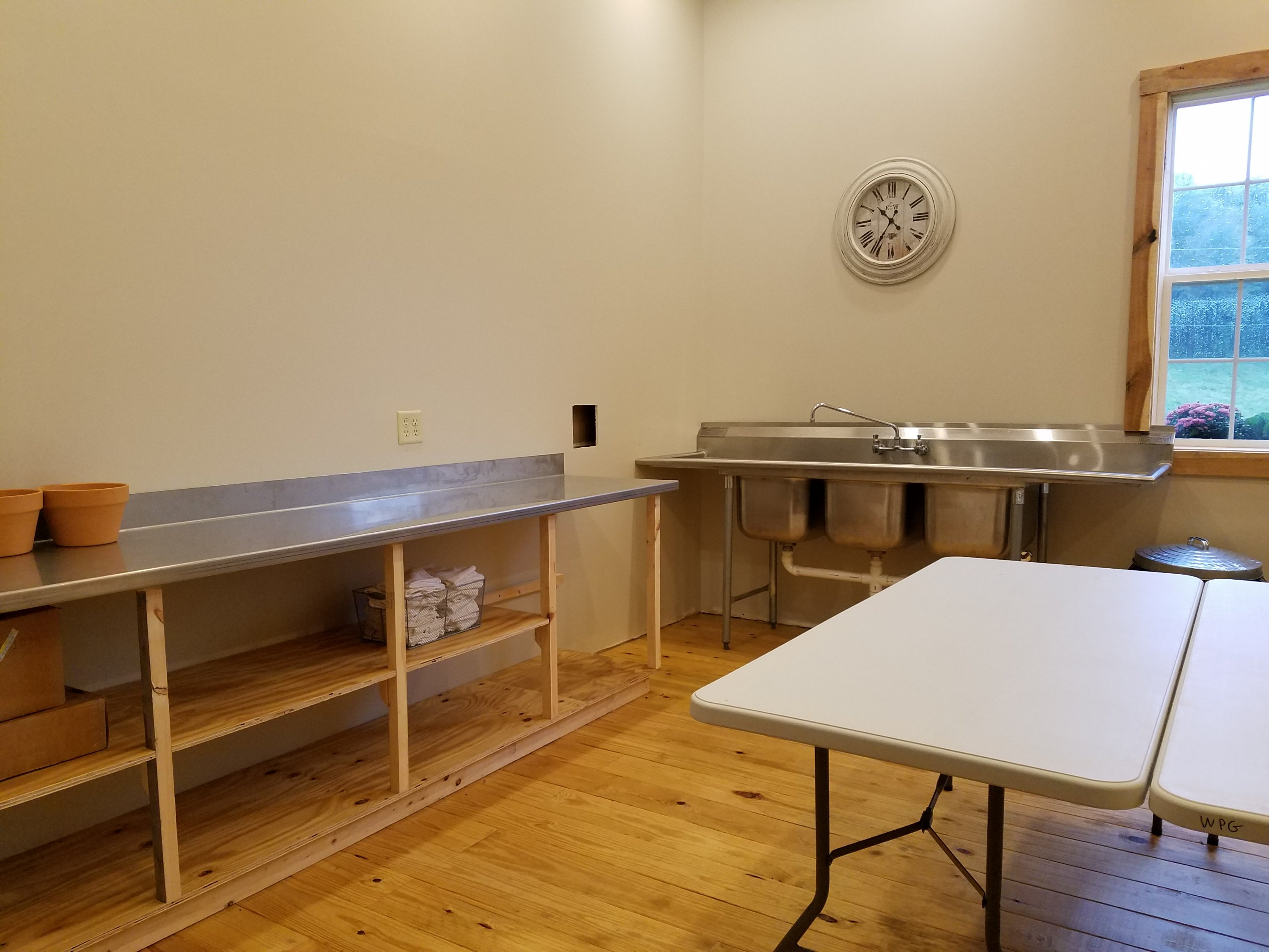 Plenty of work space at White Pine Grove kitchen. Your caterer will love it!