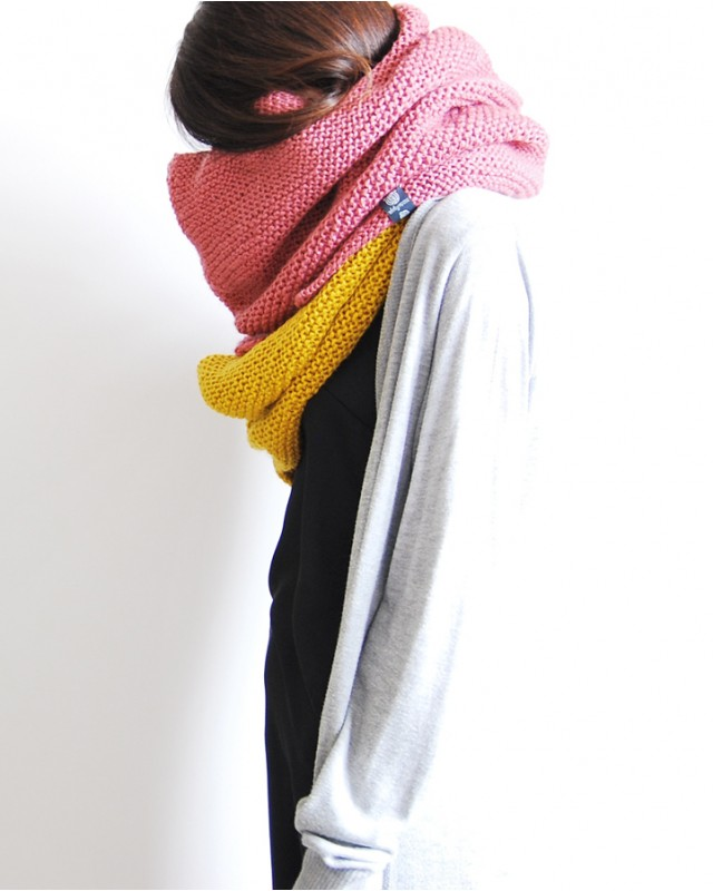flaming-double-knitted-neck-warmer-2