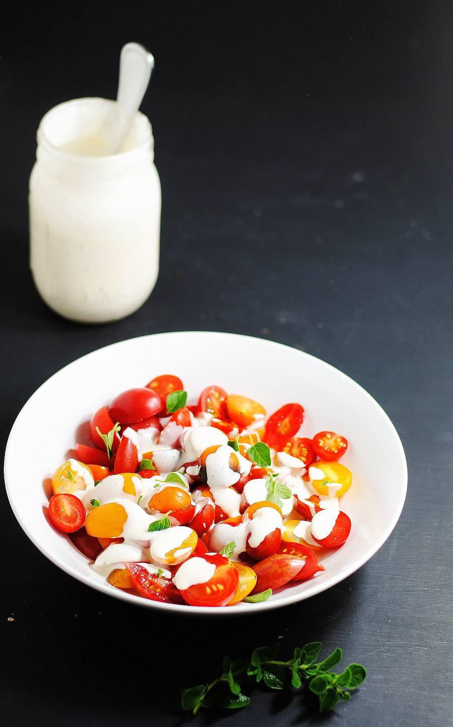 tomato salad with creamy garlic dressing