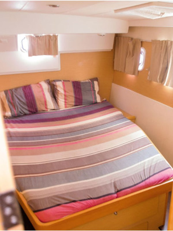 whitesails_boat__0006_Interior 3