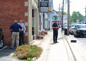 Whitman police investigate Menard Jeweler robbery. Photo by Stephanie Spyropoulos.