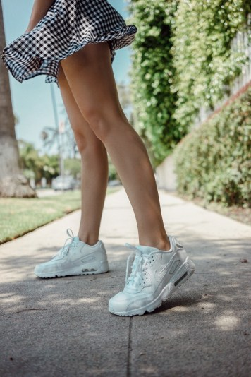 Favorite White Sneakers | Whitneybearr