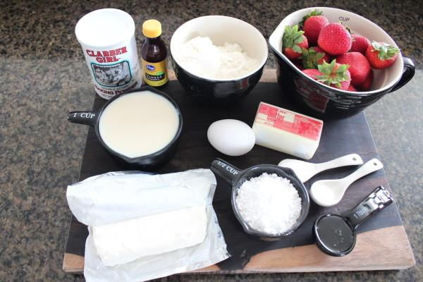 Strawberry Pancakes with Cream Cheese Syrup Ingredients