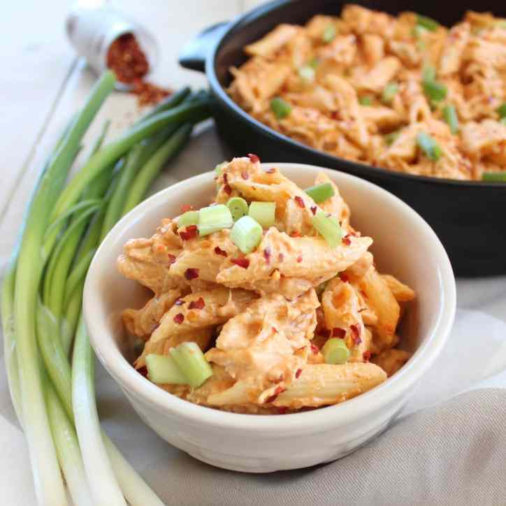 Buffalo Chicken Cheesy Penne Pasta